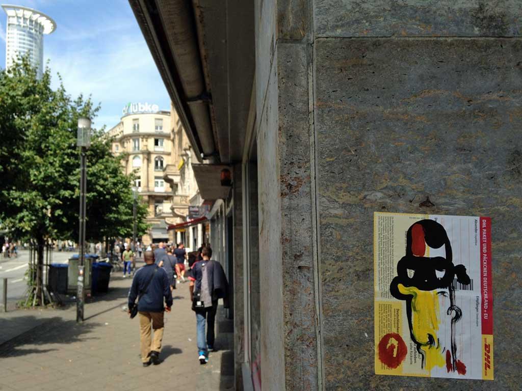 Paketkarten Street Art von Treppe 1.OG