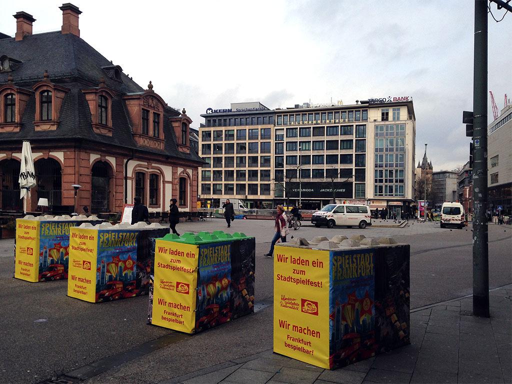 Anti-Terror-Beton-Poller an der Hauptwache in Frankfurt