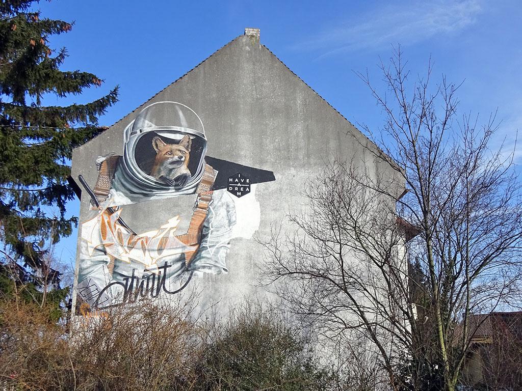 Street Art in Hattersheim: Mural eines Fuchses im Astronautenanzug