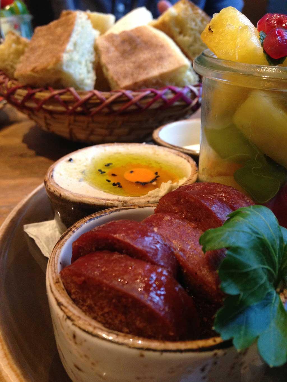 Frühstück bei Aniis