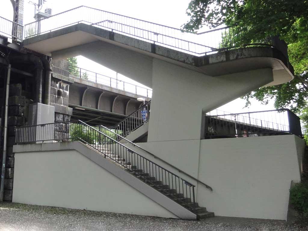 Treppen bei der Deutscherrnbrücke