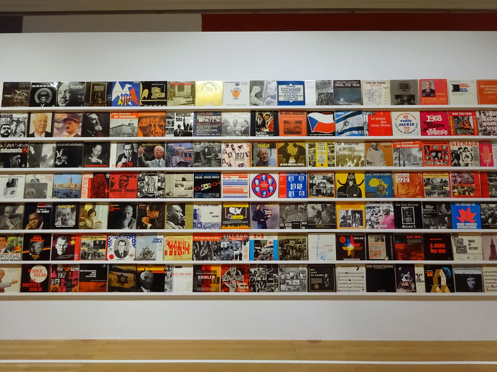 Schirn: Dani Gal - The Record Archive