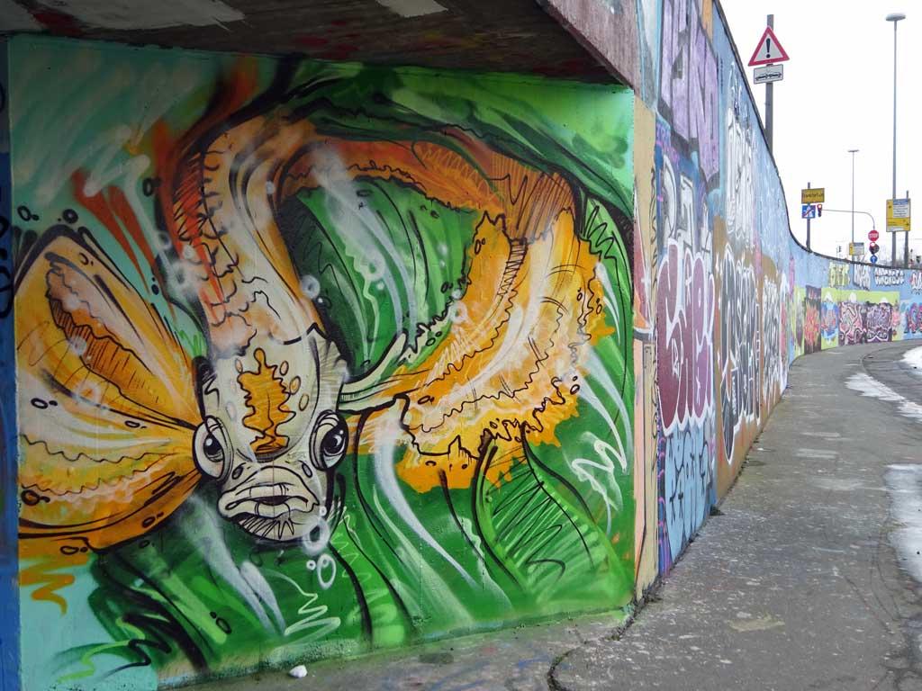 Fisch-Graffiti an der Hall of Fame am Ratswegkreisel