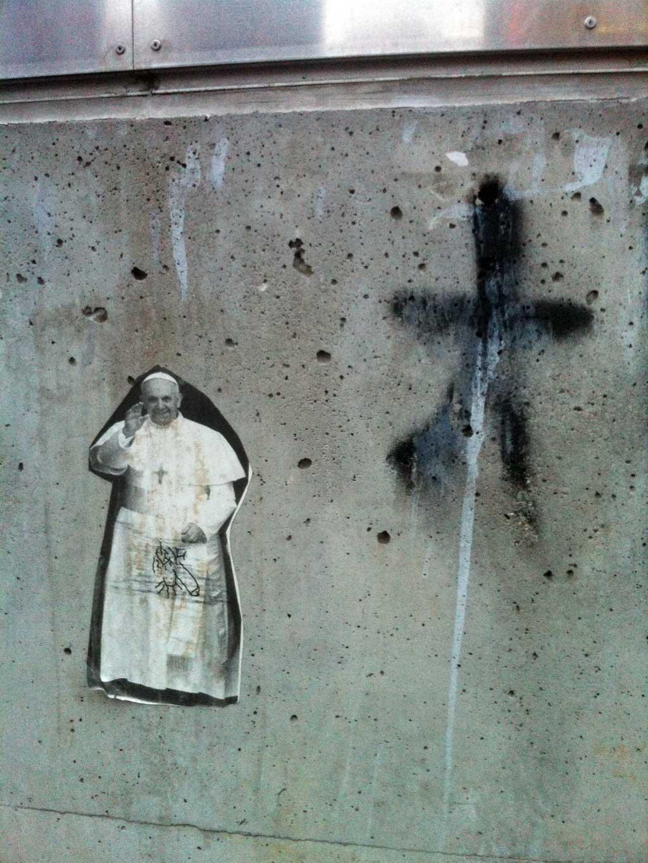 Street Art in Frankfurt: Papst
