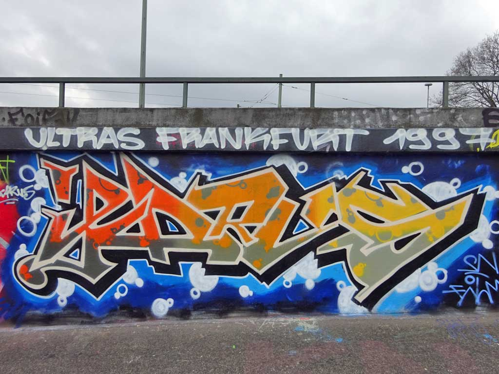 Ikarus-Graffiti an der Hall of Fame am Ratswegkreisel