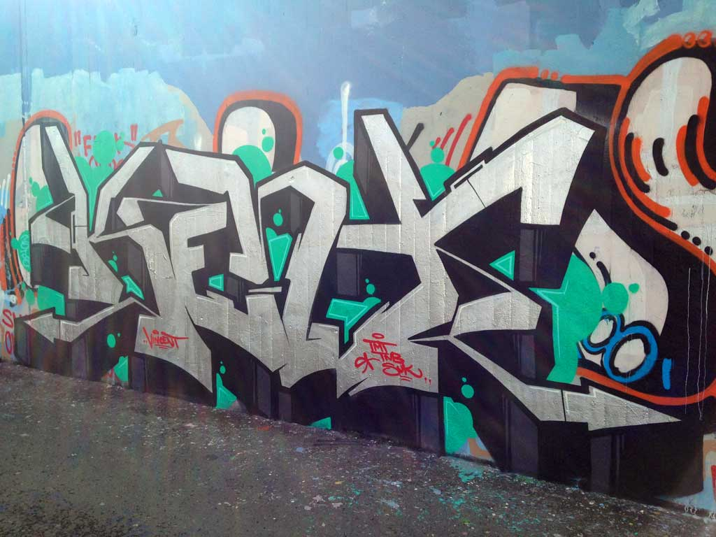 Kent-Graffiti an der Hall of Fame am Ratswegkreisel