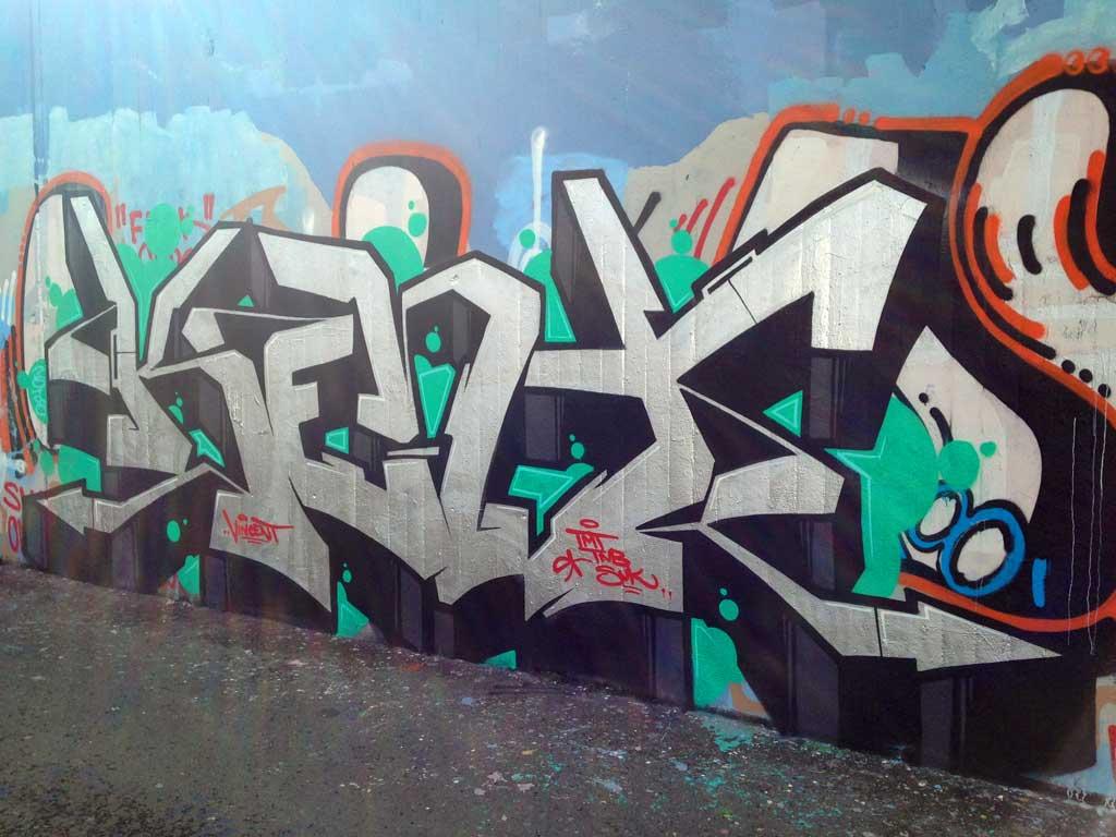 Kent-Graffiti an der Hall of Fame am Ratswegkreisel