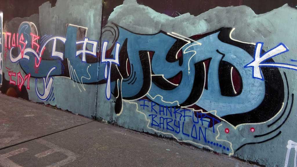 Llyod-Graffiti an der Hall of Fame am Ratswegkreisel