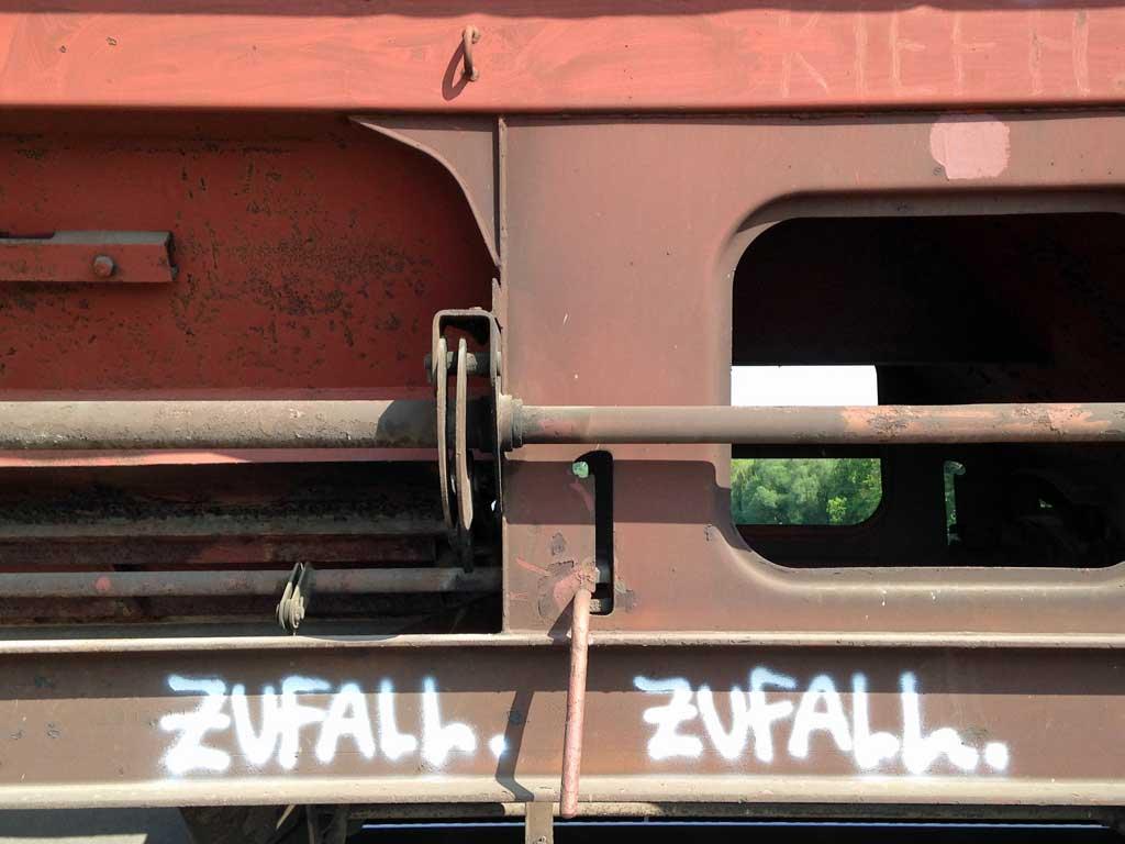 Güterzug mit Graffiti