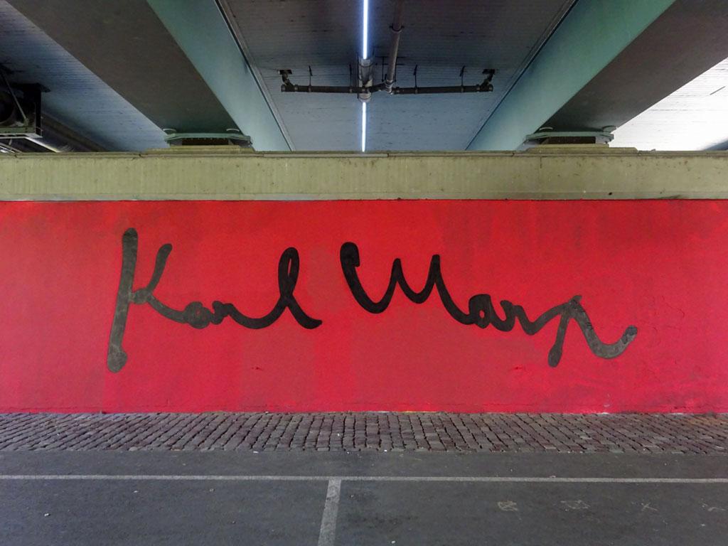 Street Art in Frankfurt: 200 Jahre Karl Marx - Mural an der Friedensbrücke