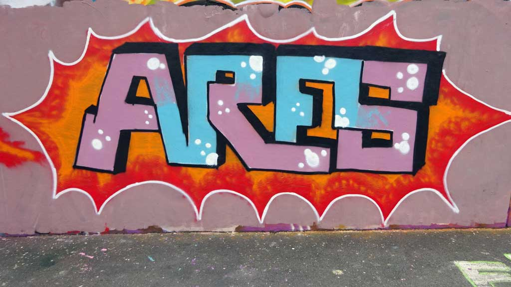 Ares-Graffiti bei der Hall of Fame in Frankfurt