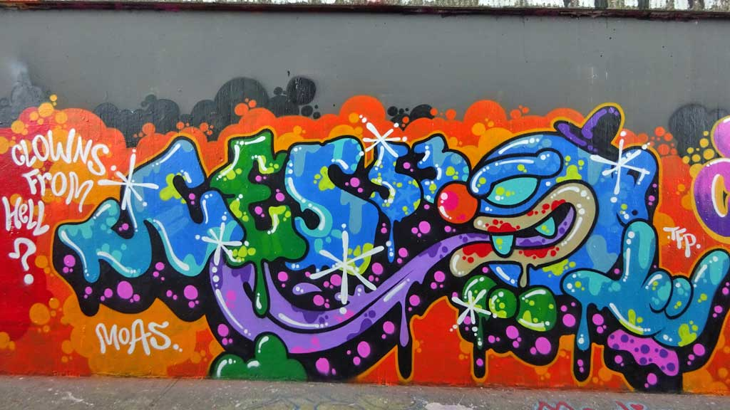 Ces 53-Graffiti bei der Hall of Fame in Frankfurt