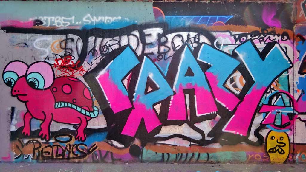Graffiti am Ratswegkreisel in Frankfurt am Main