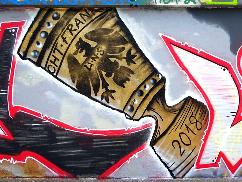 DFB-Pokal mit Gravur Eintracht Frankfurt als Graffiti