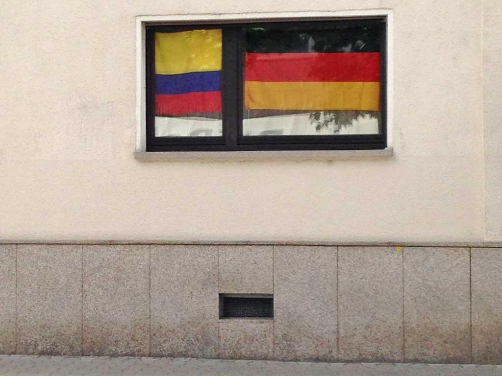 Fußball WM 2018 - Kolumbien-Flagge in Frankfurt