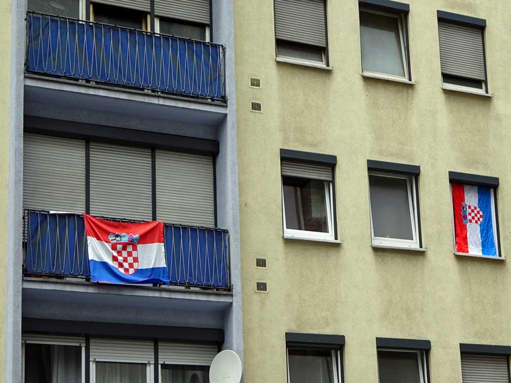 Fußball WM 2018 - Kroatien-Flagge in Frankfurt