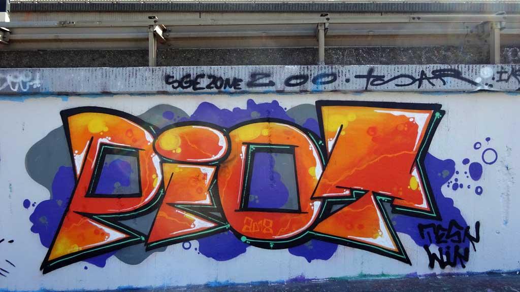 Piot-Graffiti bei der Hall of Fame in Frankfurt