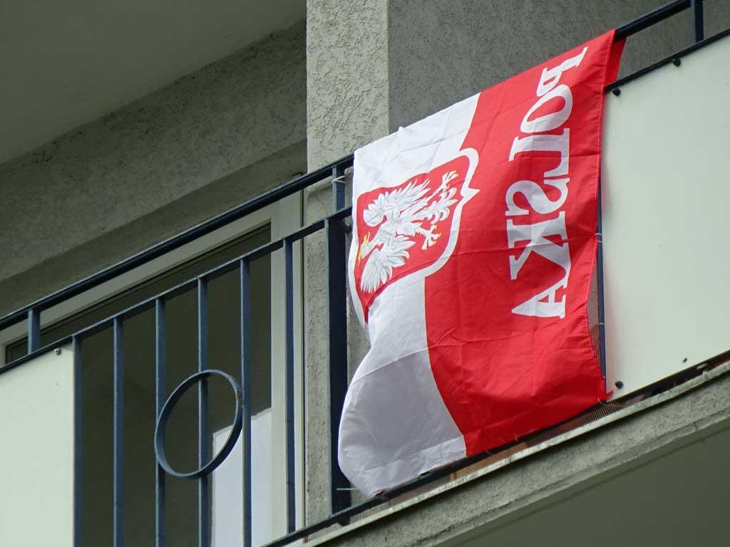 Fußball WM 2018 - Polen-Flagge in Frankfurt