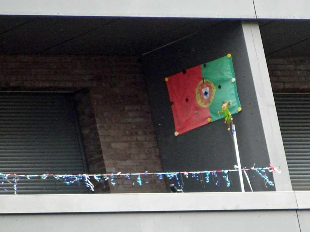 Fußball WM 2018 - Portugal-Flagge in Frankfurt