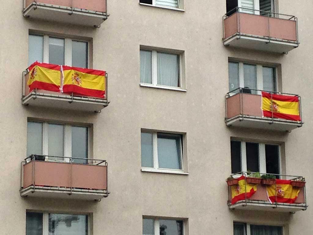 Fußball WM 2018 - Spanien-Flagge in Frankfurt