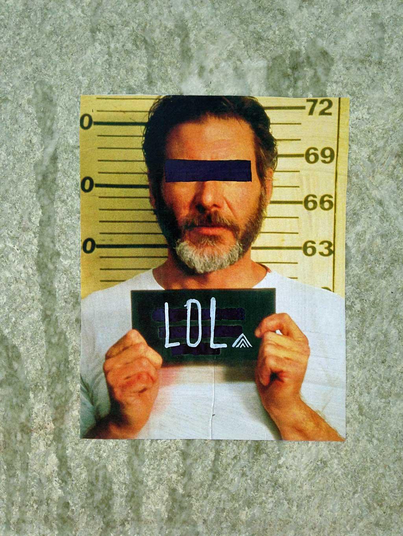 """Harrison Ford-Mugshot mit """"LOL""""-Schild"""