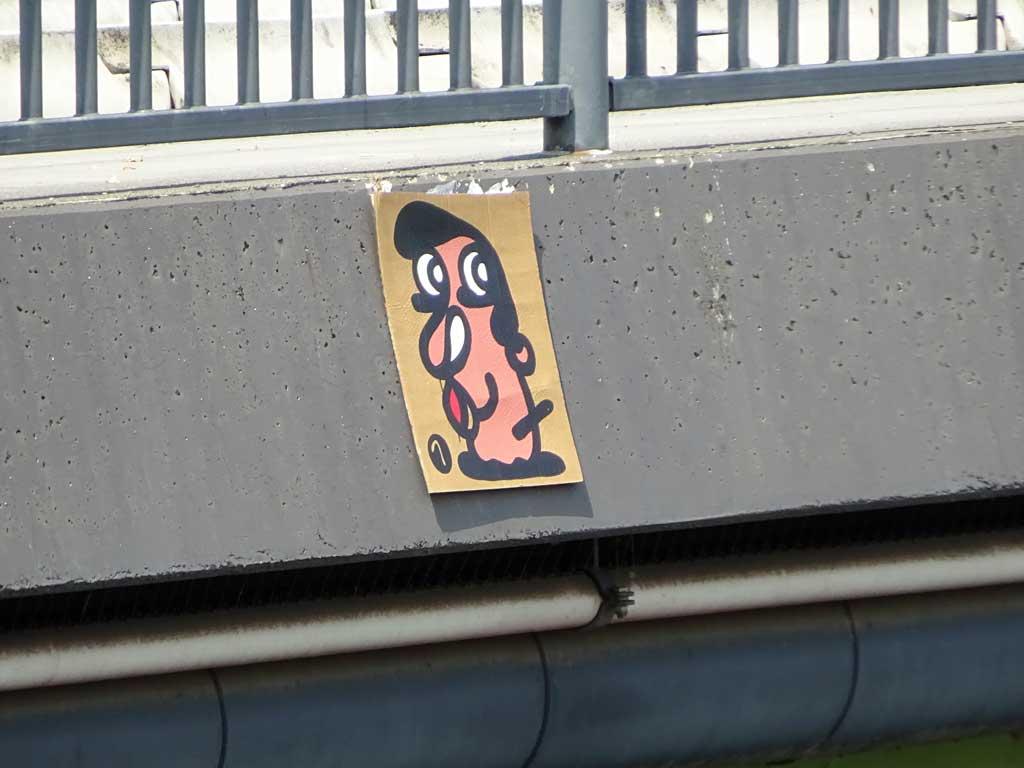 Streetart Frankfurt - Gesicht auf Karton