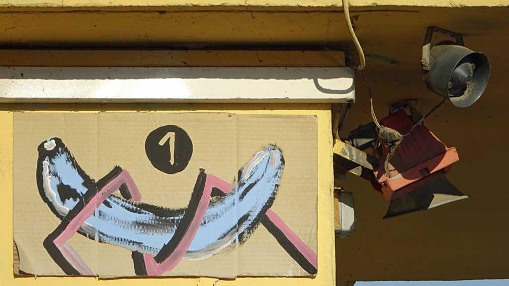 Streetart Frankfurt - Banane auf Pappe