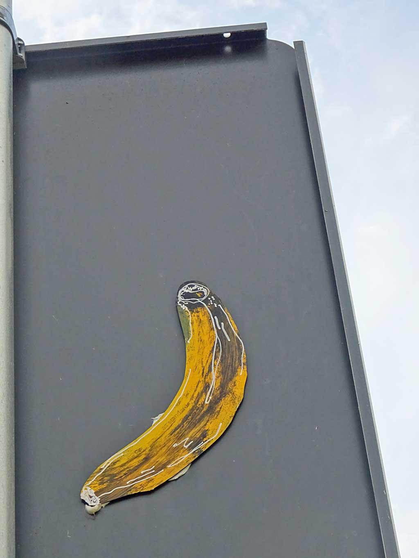 Streetart Frankfurt - Banana aus Pappe