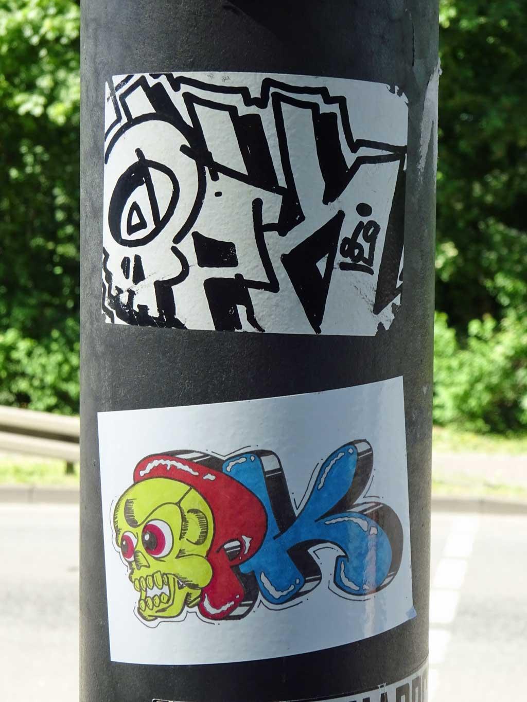 Straßen-Aufkleber in Frankfurt - OPK
