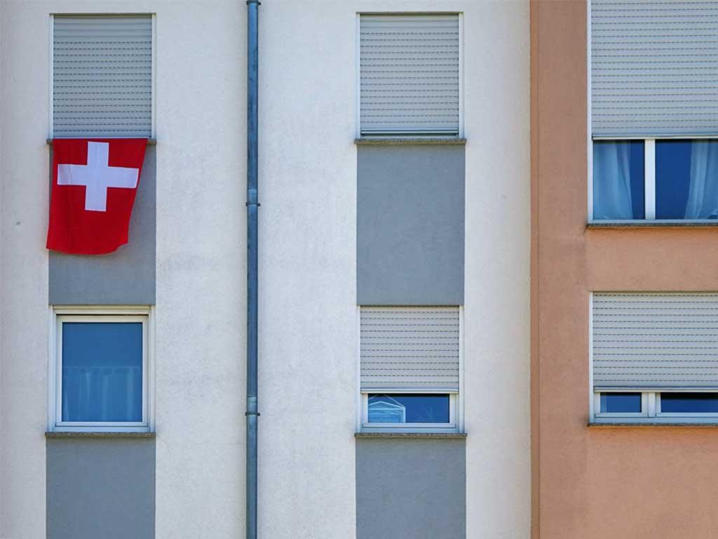 Fußball WM 2018 - Schweiz-Flagge in Frankfurt