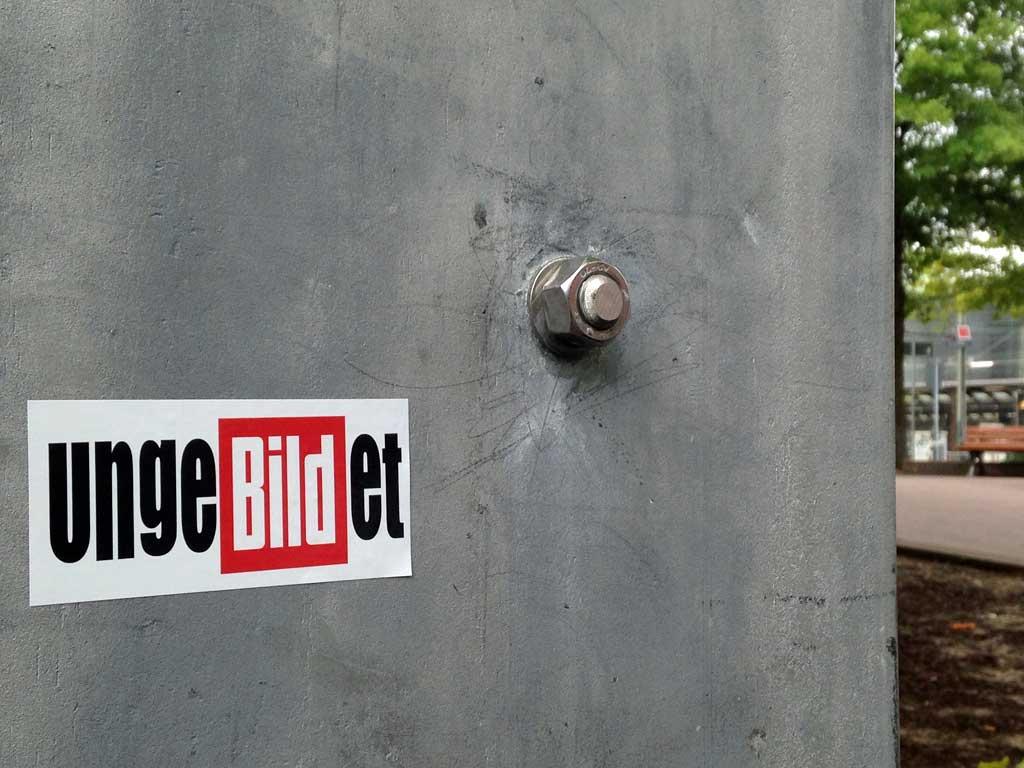 Straßen-Aufkleber in Frankfurt - UngebILDet