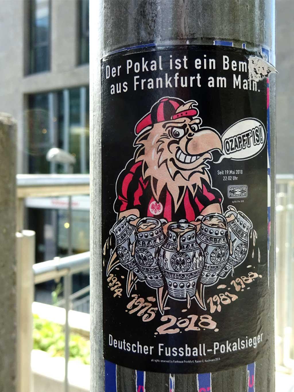 Der Pokal ist ein Bembel aus Frankfurt am Main