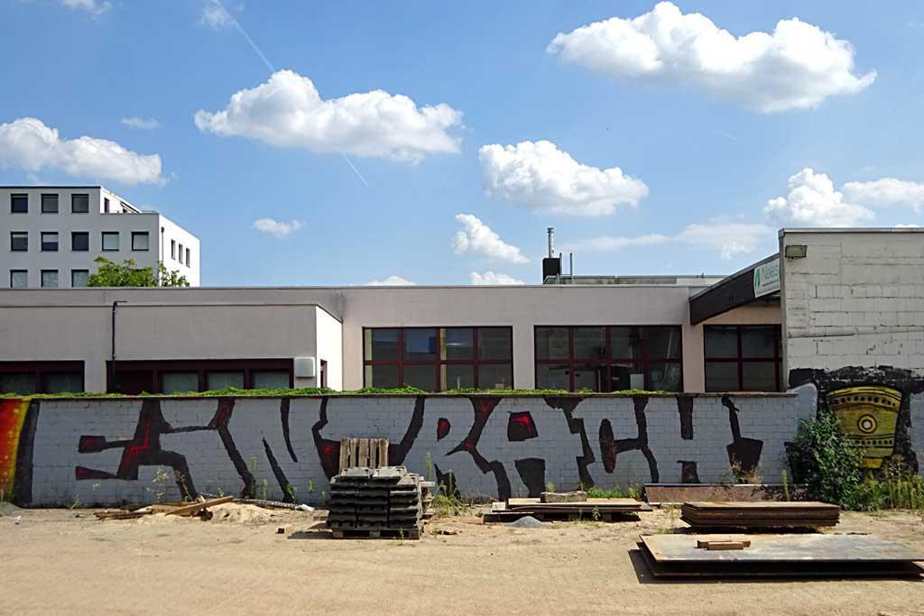 Graffiti eines Eintracht-Schriftzugs mit DFB-Pokal