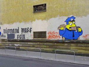 Geschwärzte Textzeile beim Graffiti am Klapperfeld