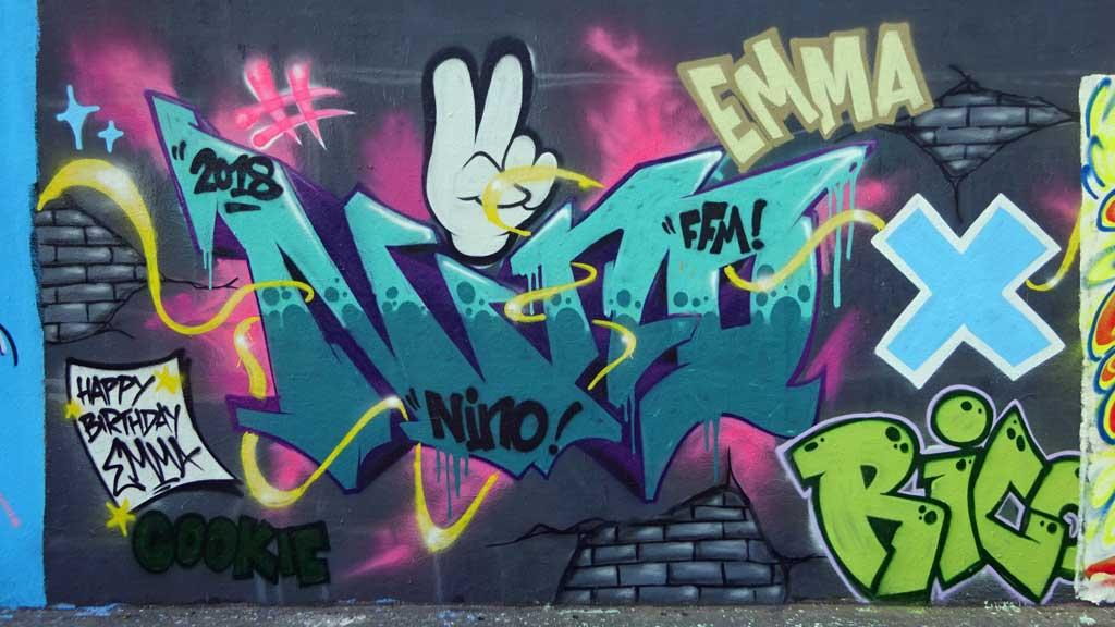 Graffiti in Frankfurt - Hall of Fame zwischen Hanauer Landstraße und Ratswegkreisel