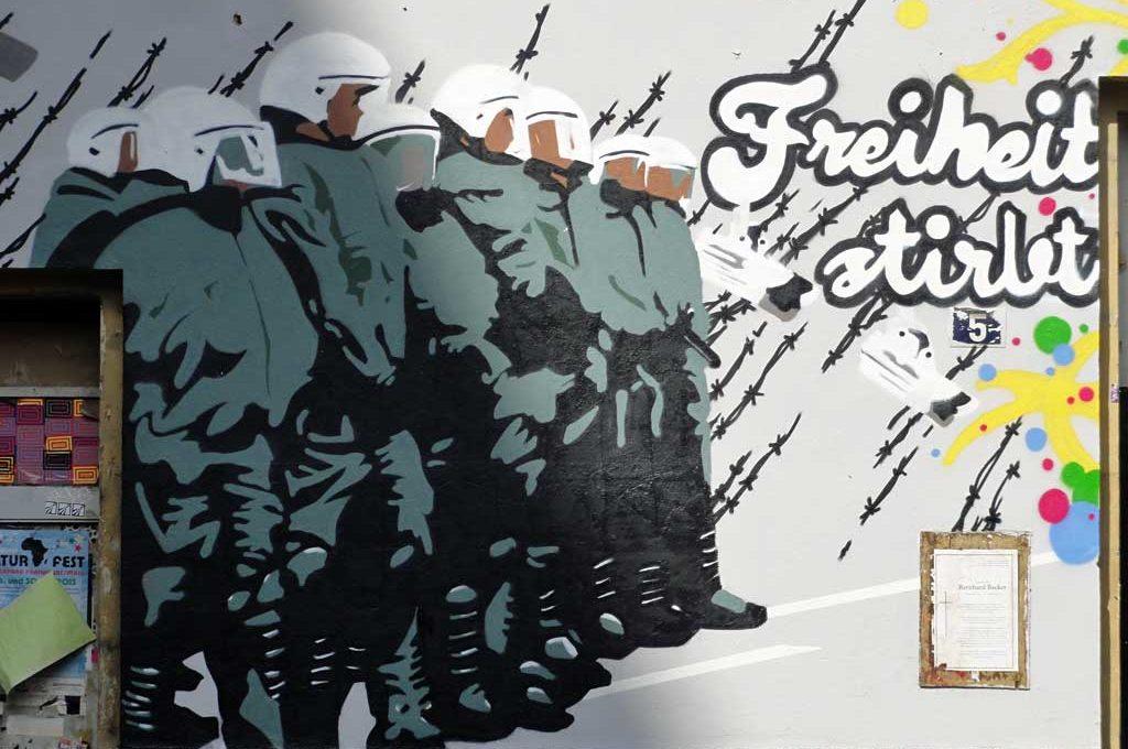 Graffiti in Frankfurt - Freiheit stirbt mit Sicherheit