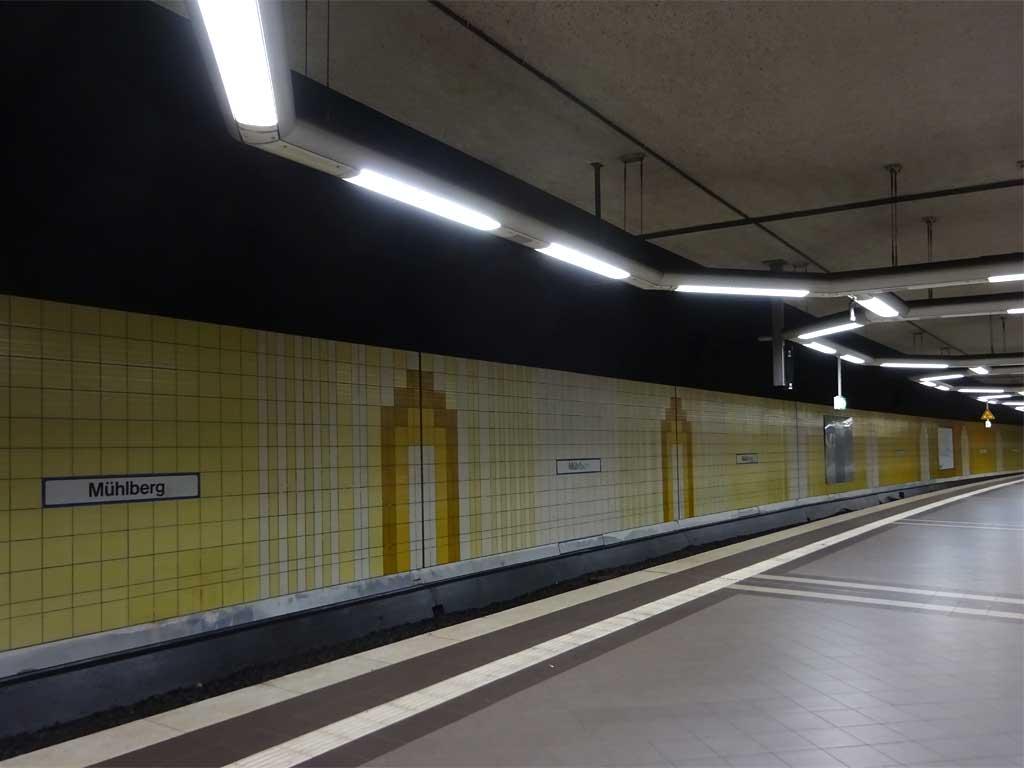 Graffitientfernung in der S-Bahn-Station Mühlberg