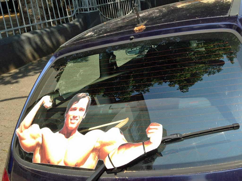 Schwarzenegger-Scheibenwischer in Frankfurt