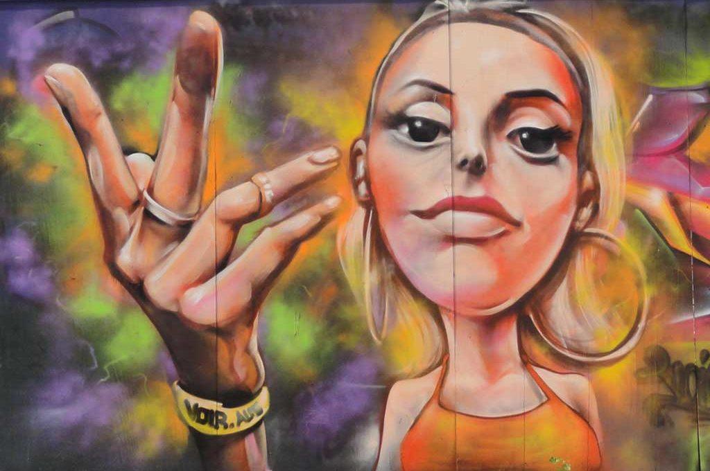 Voir-Graffiti in Frankfurt