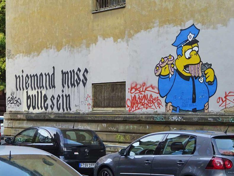 Textlücke am Klapperfled-Graffiti nach Schwärzung wieder mit Wort ergänzt