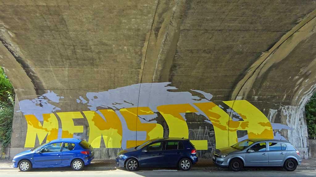 Street Art in Frankfurt - Mensch Würde
