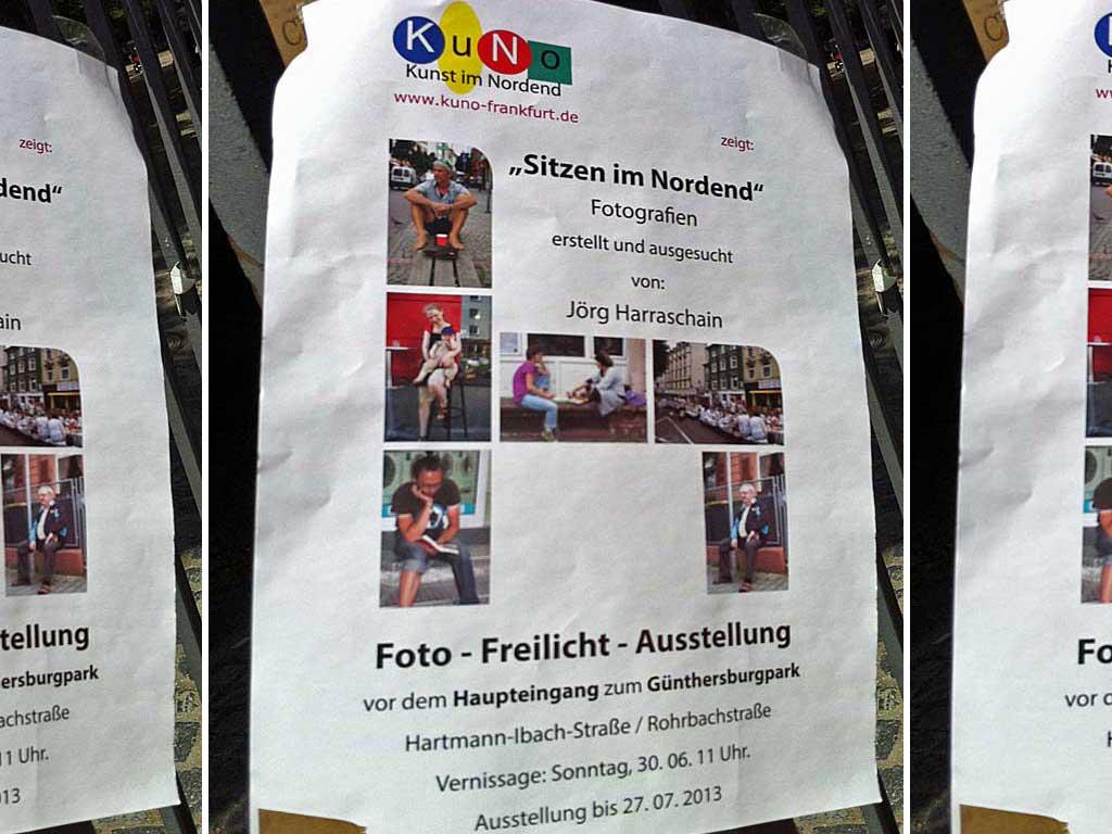 """Freilicht-Ausstellung """"Sitzen im Nordend"""""""