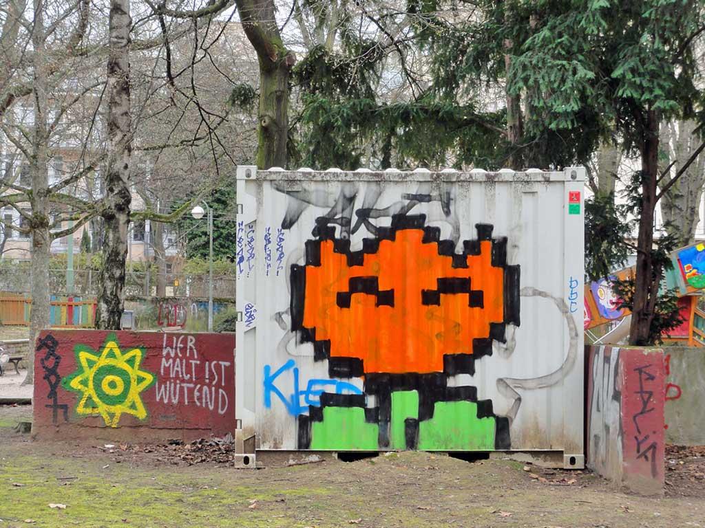 Streetart in Frankfurt - Sur l'eau Crew