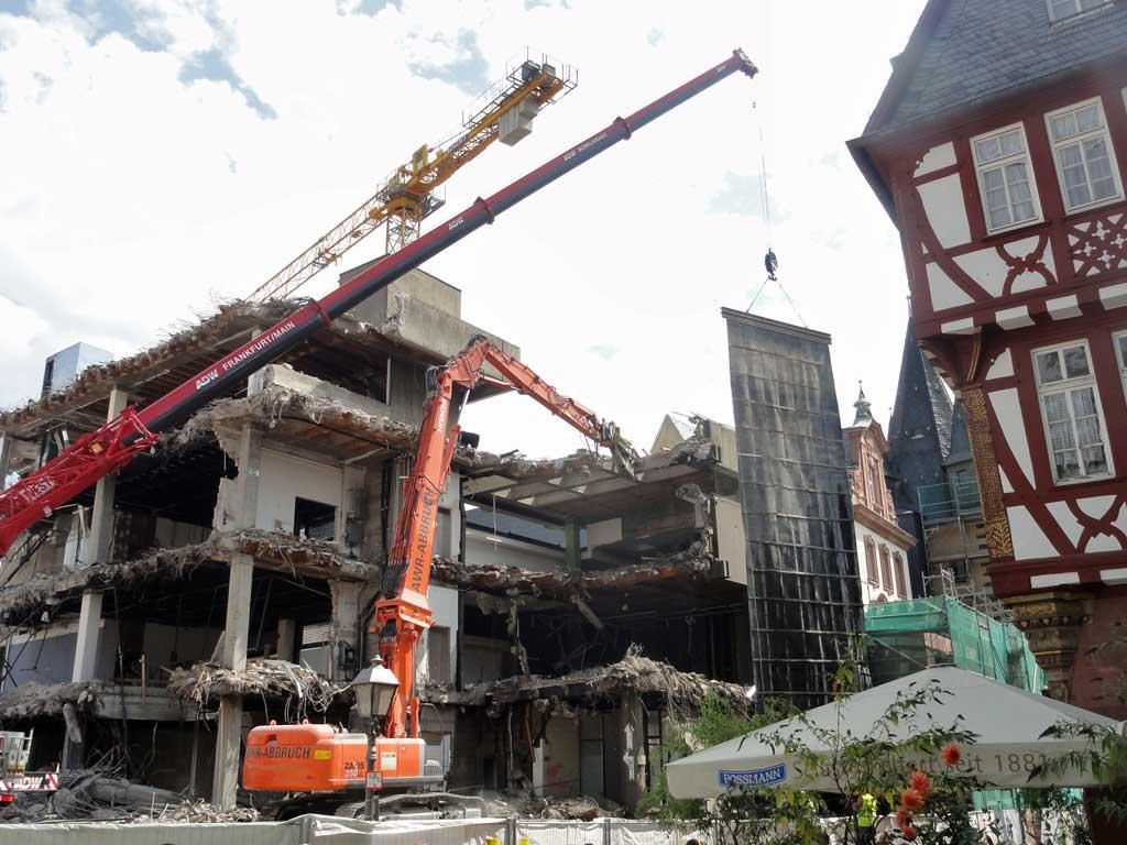 Abbrucharbeiten am Historischen Museum Frankfurt