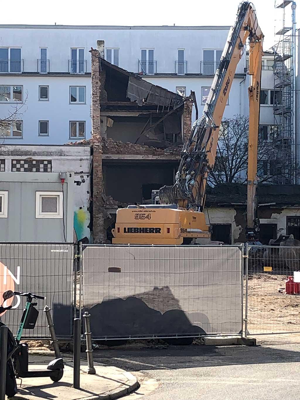 Abbrucharbeiten im Allerheiligenviertel in Frankfurt
