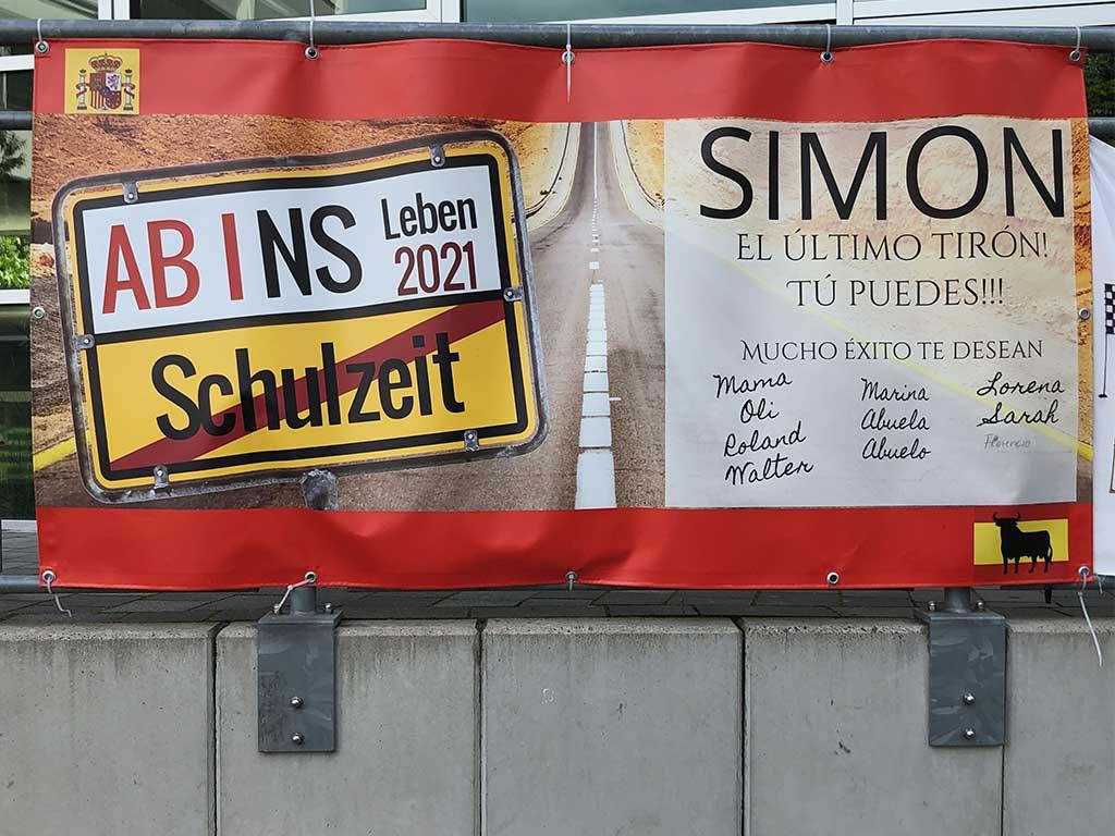 Abi-Banner in Frankfurt - Ab/Abi ins Leben