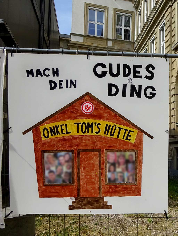 Abi-Banner in Frankfurt - Gudes Ding - Onkel Tom's Hütte