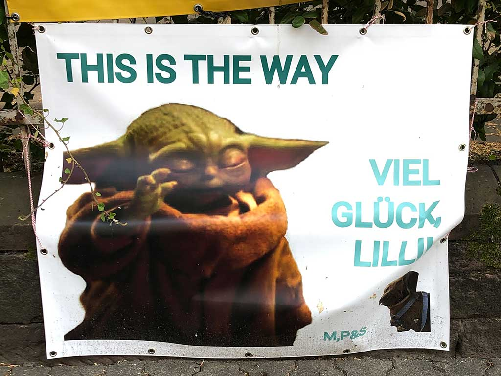 Abi-Banner in Frankfurt - This is the way