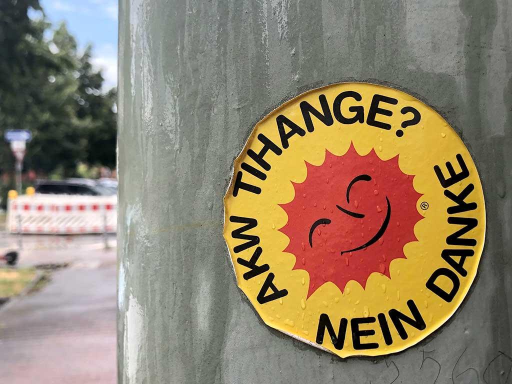 "Abwandlungen des ""Atomkraft? Nein Danke""-Aufklebers - AKW Tihange? Nein danke"
