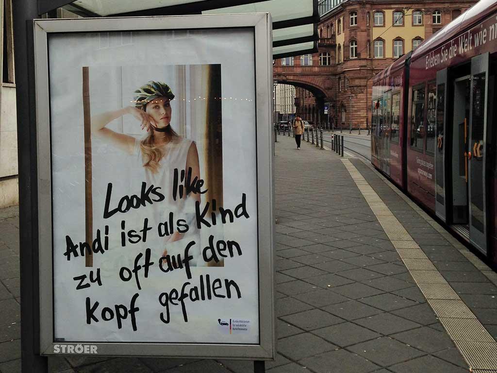 Abbustig Andi Scheuer Helm-Kampagne